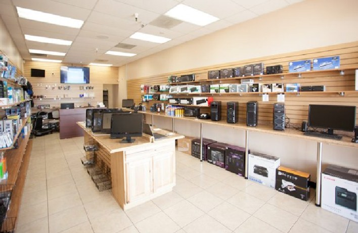 Electronic Shop Interior Style