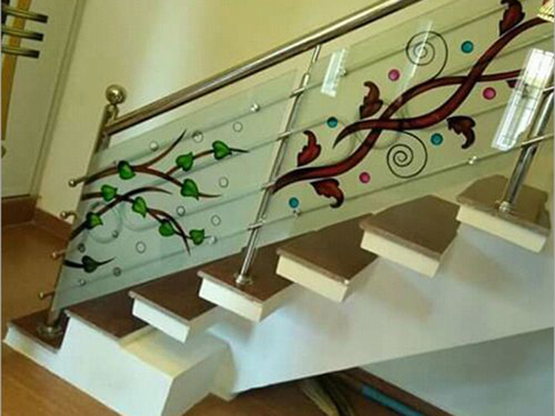 Fancy Glass Staircase Railing