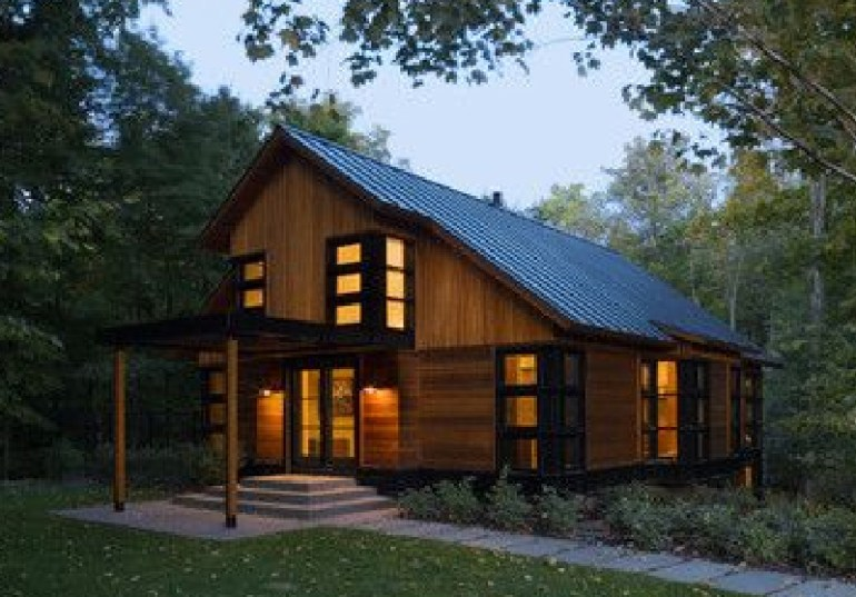Saltbox House with Porch Design
