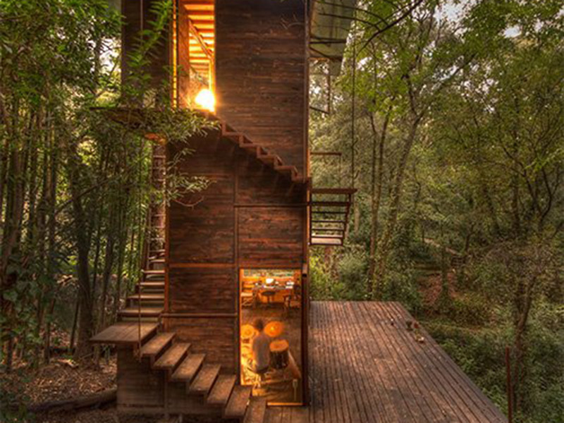 Talleresque Floating Treehouse