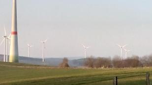 Windräder auf den Höhen zwischen Prüm- und Alfbachtal