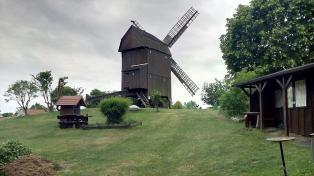 Die alte Mühle auf dem höchsten Punkt der Havelinsel