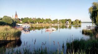 Blick von der Brücke zur Havelinsel