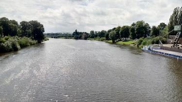 Blick von der Weserbrücke nordwärts