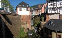 Der Wasserfall der Leuk im Stadtzentrum (Foto: Berthold Werner | http://commons.wikimedia.org | Lizenz: CC BY-SA 3.0 DE)