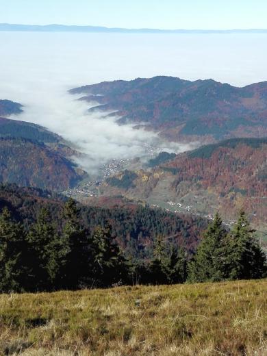 Nebel in den Tälern unterhalb des Belchens