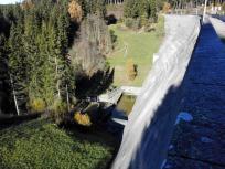 Wasserablauf hinter der Staumauer