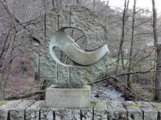 Gedenkskulptur an der Mestrenger Mühle