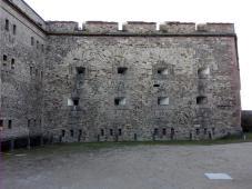 Ein wenig beklemmend diese vielen Mauern