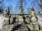 Heiligenfiguren am Calvarienberg in Gundelsheim
