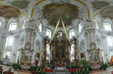 Altarraum der Basilika Vierzehnheiligen (Foto: von ErwinMeier | http://commons.wikimedia.org | Lizenz: CC BY-SA 3.0 DE)