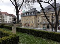 Markgräfliches Opernhaus vom Garten der Schlosskirche aus gesehen