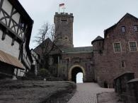 Übergang von der Vorburg zur Hauptburg