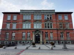 Der alte Gebäude der Hochschule