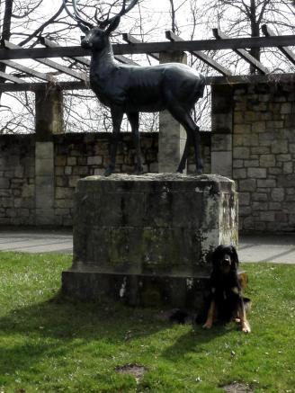 Skulptur im Park von Schloss Schwanenberg