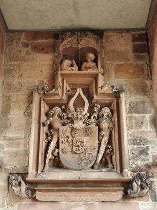 Wappen des Landgrafen über dem Eingangsportal