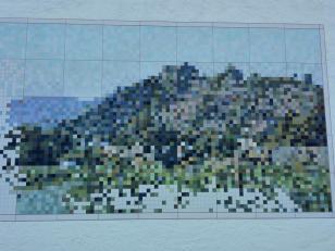 Digitale Darstellung der Sauffenburg über Mayschoss an einer Hauswand im Ort