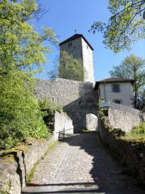 Durchgang zum Burghof