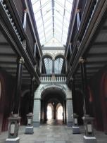Innenhof des Rathauses mit Galerie
