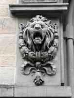 Der Westfälische Löwe am Gebäude der Polizeidirektion von Osnabrück