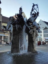 Der große Brunnen am Markt