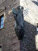 Heiligenfigur an der Michaeliskirche