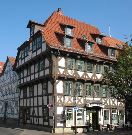 Markantes Fachwerkhaus von 1530 (Foto: Doris Antony | http://commons.wikimedia.org | Lizenz: CC BY-SA 3.0 DE)