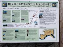 An der Wallfahrtskirche führt auch der Ostbayerische Jakobsweg vorbei
