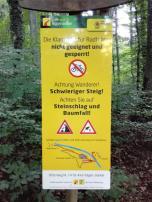 Warnschilder am Panoramasteig