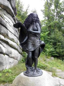 Skulptur unterhalb der Burg