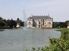 Im Zentrum steht das Sommerpalais