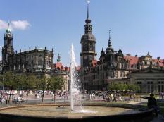 Schloss und Dom (Foto: Ingersoll   http://commons.wikimedia.org   Lizenz: CC BY-SA 3.0 DE)