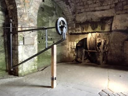 Manuelle Seilwinde als Zughilfe für Wagen und Kanonen