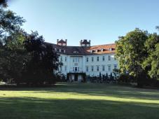 Das Schloss vom Park aus gesehen