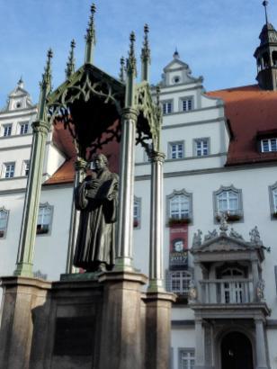 Luther-Denkmal vor dem Alten Rathaus