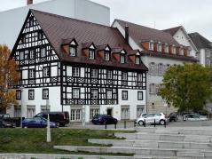 Falkenpost, früher Gasthaus, später Poststation von Thurn und Taxis für die Postroute Oberrhein – Bayern – Österreich