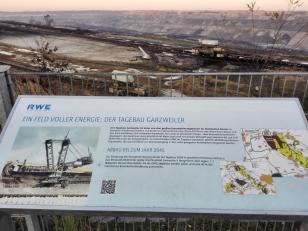 Blick in den Tagebau Garzweiler II
