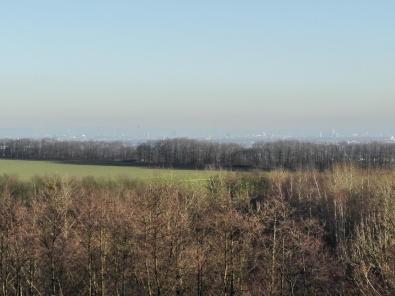 Mit dem Auge besser zu erkennen als mit der Handy-Kamera: Blick vom Aussichtspunkt Richtung Köln