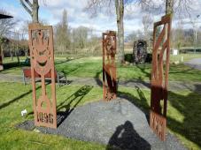 Skulpturen am Seniorenstift in Wevelinghoven