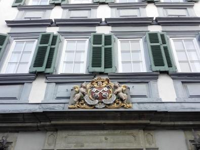 Wappen an diesem Gebäude