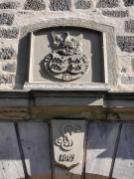 Wappen an der Toreinfahrt