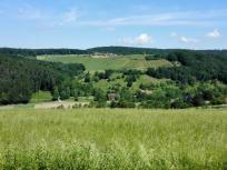 Blick oberhalb von Jettenbach hinüber zum Gagernberg