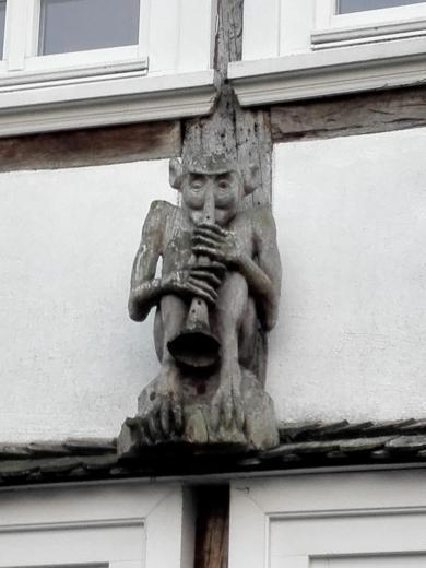 Teufelsfigur an einem Fachwerkhaus