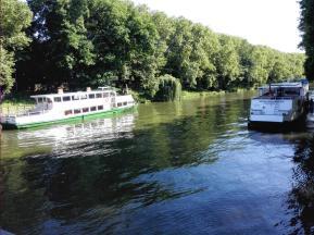 Fahrgastschiffe auf dem Neckar