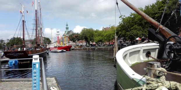 Am Binnenhafen von Emden