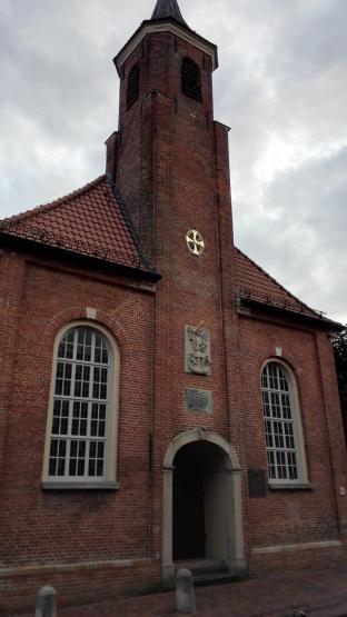 Die St.-Michael-Kirche, der erste katholische Kirchenneubau in Ostfriesland nach der Reformation