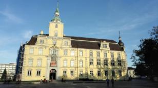 Aufsicht aus das Schloss Oldenburg vom Schlossplatz