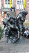Skulptur vor dem historischen Rathaus