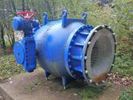 Ausrangierte Pumpe an der Trinkwasseraufbereitungsanlage unterhalb der Staumauer