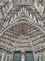 Das hochgotische Hauptportal der Westfassade